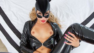 Catwoman XXX VRCosplayX Carmen Caliente vr porn video vrporn.com virtual reality