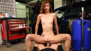 Hot Car Mechanic Offers Extra Sex Services TmwVRnet Tera Link vr porn video vrporn.com virtual reality