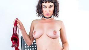 Send Nudez MILFVR Olive Glass vr porn video vrporn.com virtual reality